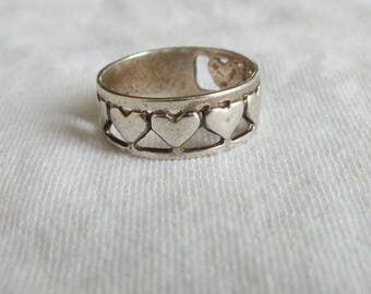 Vintage Heart Ring in Sterling Silver, Silver Band, 7 Hearts on Ring Face, Size 9 1/2, Vintage Ladies Fine Classic Jewelry, Free Shipping