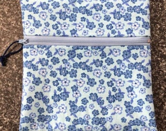 Reusable Zipper Bag - White/Blue Flowers