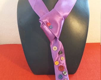 The button twist tie Purple