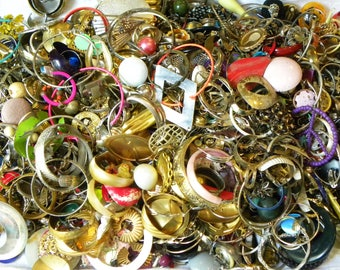 Huge jewelry lot, 8 lbs jewelry lot, small parts and pieces lot, single earrings lot, destash lot, pendant lot, small parts destash