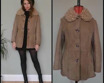 Vintage 90's Short Beige Light Brown Tan Curly Lambskin Sheepskin Single Breasted Coat Jacket Size Medium