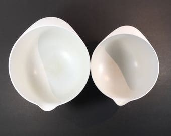 Rosti White Mixing Bowls A Pair 2L + 3L Nesting Bowls With Handles and Pour Spout Melamine Danish Mid Century Denmark
