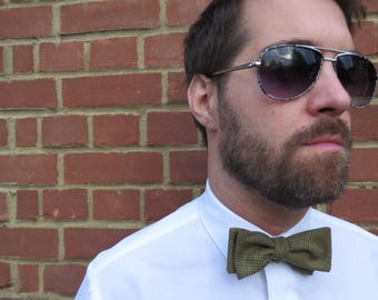 Mens green tweed style designer Bow Tie