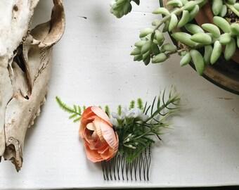 Ranunculus Bridesmaid Comb
