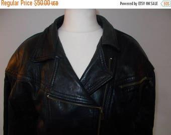summer sale Vintage 80s black leather biker jacket size medium large