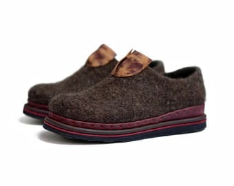 Felted shoes -woman felt shoes -minimalist shoes- woman shoes- boiled wool shoes- black wool shoes- leather shoes- OOAK- woman loafers