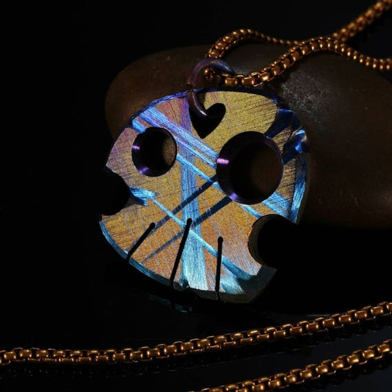 Carry the Skull Necklace