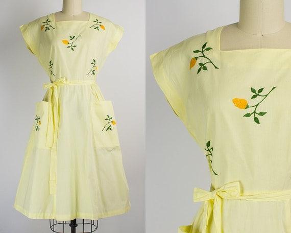 1950s Yellow Rose Swirl Wrap Dress   Large (40B/30W)