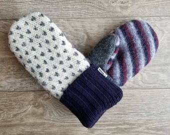 Best Wool Sweater Mittens // Womens Sweater Mittens // Fleece Lined mittens // Gray and White