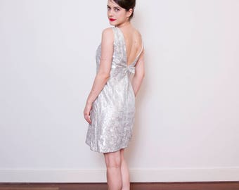 Vintage 1960s Silver MOD Dress / 1960s Tinsel Dress / Brocade Party Dress / S