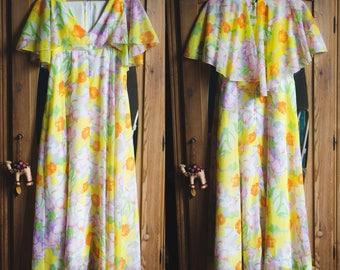Vintage 1070's Capelet Dress.  Floral Print 70s Long Dress