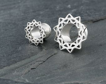 Flower Mandala Silver Ear Tunnel. Plugs Gauges. Ear tunnels Silver. 8mm Tunnels. Gauge Jewellery. Plugs and Tunnels.
