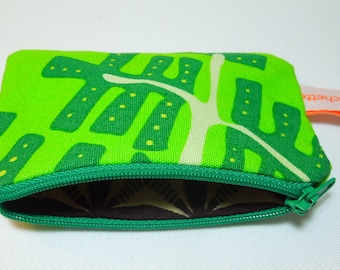 "Wallet printed ""Fern""."