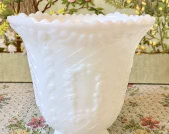 Milk Glass Vase Wedding Centerpiece Vase for Wedding Vase White Vase Bouquet Holder Vintage Milk Glass Bowl Large Vase Flower Vase Wedding