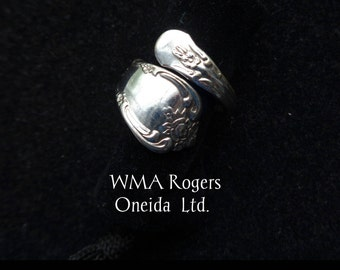 Vintage W.M.A. Rogers Oneida Ltd Silver Spoon Ring in US Size 7 - Sweet Floral Detail