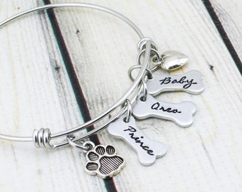 Custom Pet Bracelet - Dog Name Jewelry - Hand Stamped Dog Mom Bracelet - Personalized Dog Bracelet - Dog Lover Gift - Paw Print Bracelet