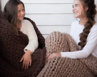 Chunky Blanket,  Christmas Gift, Merino Wool Blanket, Throw Blanket, Knitted blanket, Knit Throw, Super Bulky Blanket, Bulky Gift, 45 colors