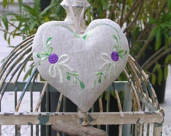 Linen hanging heart trimmed with Lavender from Provence