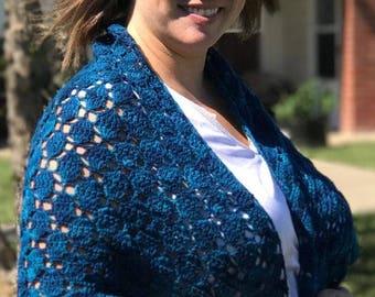 Blue tones shawl, blue tones shawlette, crochet shawl, crochet shawlette, triangle shawl, handmade shawl
