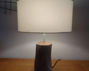 Lampe en bois flotté très dur
