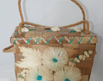 Vintage Raffia and Jute Handbag - white and blue flowers