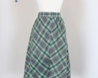 "1960s Skirt - Plaid Midi Skirt - Full A-line Wool Skirt - Grey Green - Pockets - Classic Vintage Mad Men Style - 27"" Waist - Size Small"