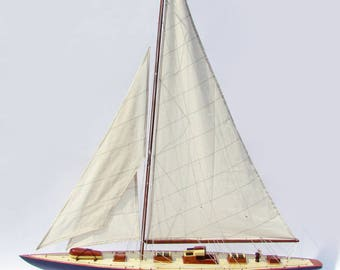 "20"" Endeavour Sailing Boat Model"