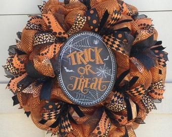 Halloween wreath,Halloween decor,Trick or Treat wreath,Orange and black wreath,Halloween gift,