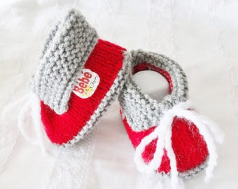 Booties for baby in red wool - baby shoes - wool slippers