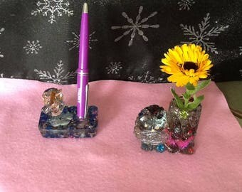 Collection owl, pen holder or vase or positive flower pot'ORgonit inlaid with semiprecious stones