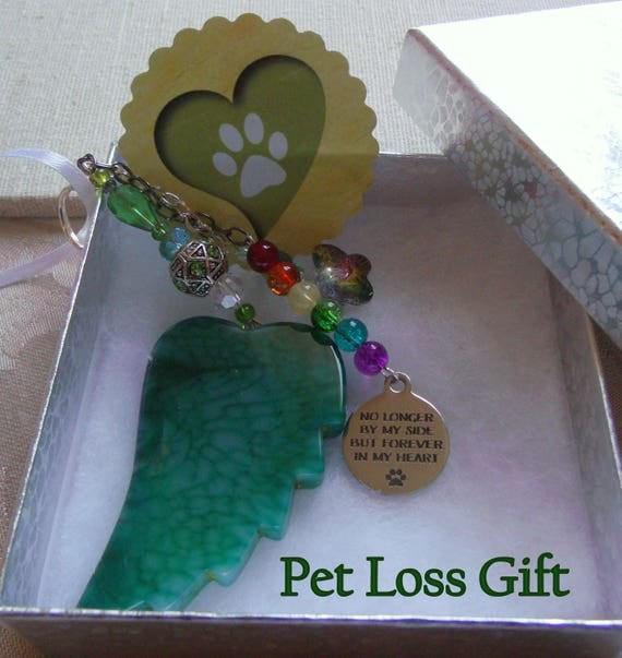 Pet loss gift - green agate wing - gemstone memento - Angel wing ornament - Personalize - crystal butterfly - rainbow bridge - Lizporiginals