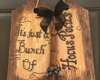 Halloween wreath/Hocus pocus halloween door hanger/hocus pocus door decor/hocus pocus decoration/hocus pocus wood door tag/hocus pocus