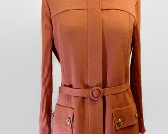 buttonned sweather, sweater from the 60's, wool vest with belt and pockets