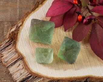 One GREEN FLUORITE Octahedron - S, M, or L Green Fluorite Crystal Octahedron, Blue Fluorite, Natural Fluorite Stone, Healing Crystal E0559