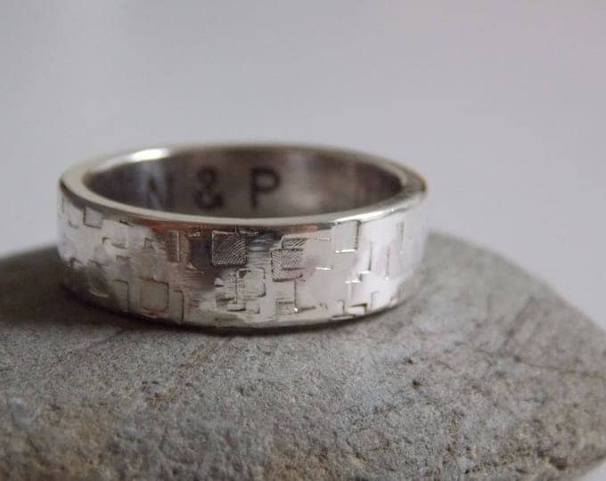 Man silver ring. Alliance customizable silver with a good effect.