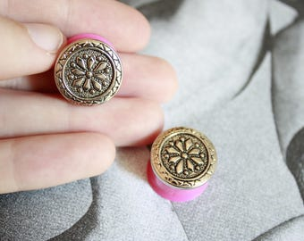 """Pair of plugs / tunnels 16 mm (5/8 """") pink and silver"""