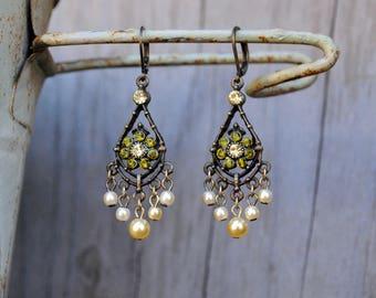 Romantic teardrop flower and pearls /Chandelier earrings