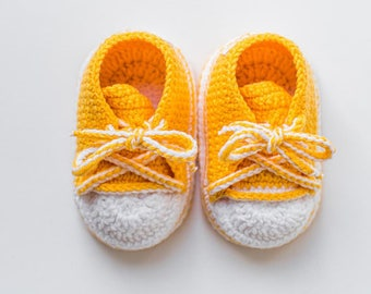 Yellow Baby sneakers Baby mocassins Baby reveal box Baby moccasins Baby moccs Loafer booties Baby loafer shoes Baby sandals First shoes Crib