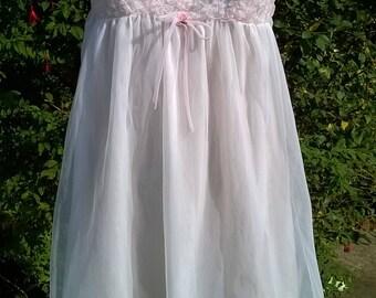 Vintage Babydoll Nightie Negligee 1960s White Nylon Frilly Lace Nightgown Vintage Lingerie Size Medium 60s Keynote Peignoir