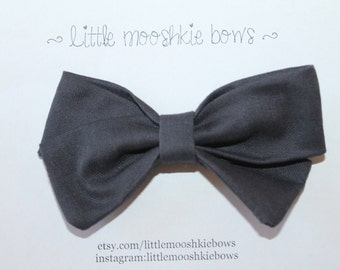 Classic Vivian Bow ~ Charcoal