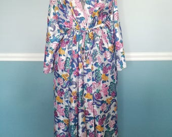 Unique and Chic! Retro Bohemian Paisley and Floral Floor Length Robe with Interior and Exterior Ties - Colorful and In Beautiful Condition!