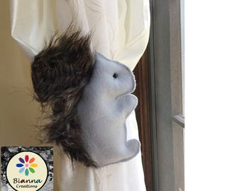 "8x6"" Kawaii Gray Felt Baby Squirrel Curtain Tieback Holdback Decor - Nursery room decoration"