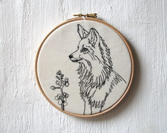 Freehand Machine Embroidery Hoop Art, Woodland Fox Wildfire thread Drawing Wall Hanging Wildlife Textile Art, 6 inch Wooden Hoop