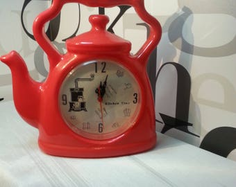 Vintage Retro Red Plastic Kettle/Tea Pot Kitchen Clock     FREE SHIPPING