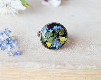 Real flower ring Terrarium jewelry Resin jewelry Resin rings Forget me nots Botanical resin ring Forest jewelry Nature resin  ring