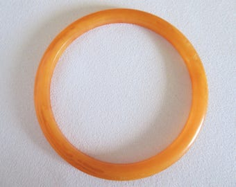Bakelite Bangle, Orange Bangle, Vintage Bangle, Bangle, Lucite, Bakelite, Thin Bangle, Single Bangle, Orange, Tiki, Jewelry