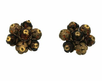 1940s Brown Plastic and Gilt Metal Vintage Flower Earrings