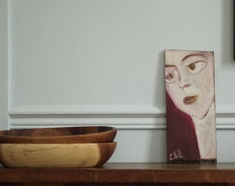 Painting on wood, decorative gift - white face with yellow lips