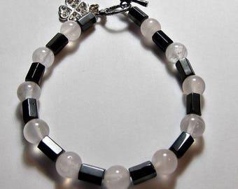 Magnetic Bracelet in Black and white