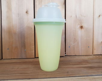 Vintage Tupperware 70s Drink Bottle Shakes Smoothies with Lid and Flip Top Cap Container Salad Dressing Food Storage Pour Spout Pantry Retro